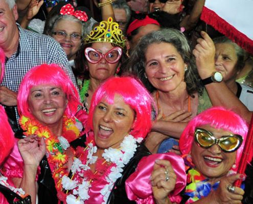Blocos de carnaval de carnaval para os 50+ Viver Agora